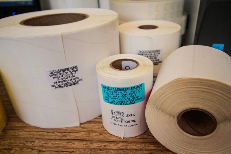 Etiquetas adesivas para código de barras