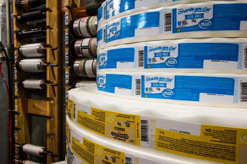 Fabricante de etiquetas e rótulos adesivos